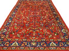 """Sarough– 182 x 122 cm – """"Oriental carpet in beautiful condition"""" – Please note! No reserve price: starts at €1.-"""