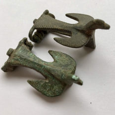 Two  Ancient Roman Zoomorphic / Animal Brooch Shaped as Bird  / Dove 33 /35 mm (2)