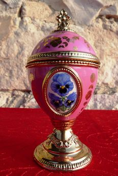 House of Fabergé - egg Collector - porcelain music box - Collection 'Tchaikovsky's Sleeping Beauty'