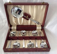 Set of 6 Art Deco shell-shaped dessert spoons + serving spoon, approximately 1930