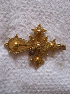 Pendant - Antique Filigree Cross.