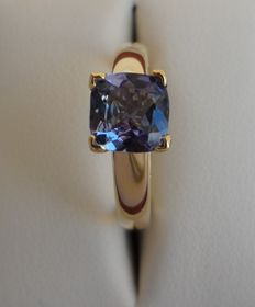 IGI Certified 1.01 ct Purple-Blue New Natural Tanzanite Ring in 14K Solid Yellow Gold