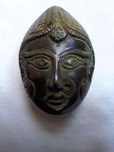 Solid bronze pill box - Indonesia - 2nd half of 20th century