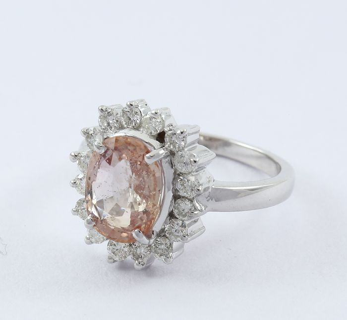 Padparadscha sapphire White Gold Designer Ring with Large 3.48 ct. Padparadscha sapphire ( IGI Certified ) and Diamonds- no reserve price