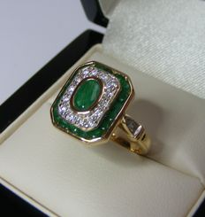 Ring in 18 kt gold emeralds and diamonds of 2.07 ct - no reserve price