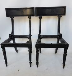 4 Elegant black lacquered English chairs, England, approximately 1970