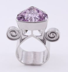 White Gold Deaigner Cocktail Ring with Natural Large Kunzite ( IGI Certified )