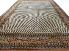 """Mir – 292 x 204 cm – """"Oriental carpet in hues of nature – in good condition."""" – Please, note! No reserve price: bidding starts at €1."""