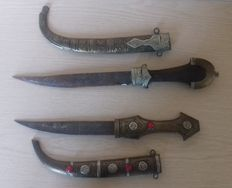 Lot consisting of two daggers, Maghreb for collection or decoration