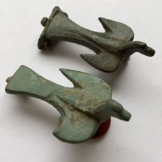 Two  Ancient Roman Zoomorphic / Animal Brooch Shaped as Bird- Dove    35/36 mm(2)