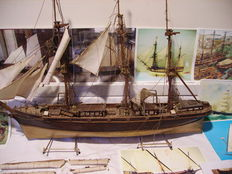 Model boat / complements / accessories / plans.