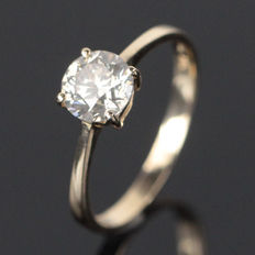 14 Kt yellow gold solitaire diamond ring – 0.9 ct SI2