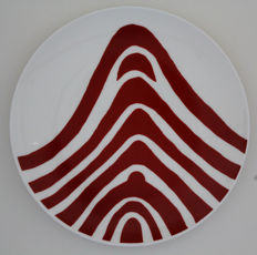 Louise Bourgeois - Red Curve
