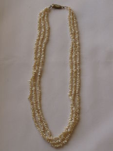 Art Deco Necklace of natural pearls
