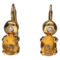 Yellow gold 18 kt dangle earrings each set with a zirconia and a citrine – Length: 16 mm
