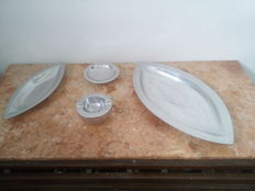 Vintage Silver Plated Design Pieces - 2 Tureens - 1 Platte - 1 Astray -  -