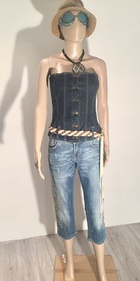 Set of 2 Dolce and Gabbana pieces - sexy corset with braided leather belt and embroidered capri pants - no reserve