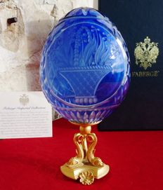 "Genuine 3D - Rare Imperial Fabergé egg! ""Pure Embossed Cobalt Crystal 3D"" collection - enhanced with 24k gold - signed - certificate of authenticity - (18 cm)"