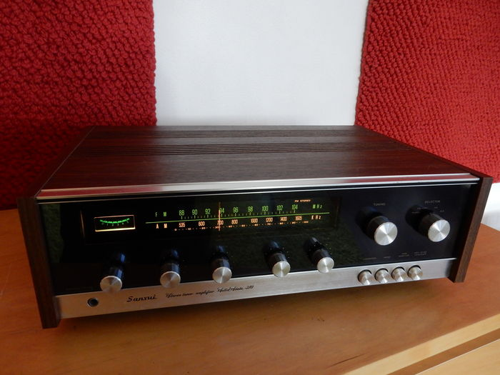 Sansui Solid State 310 stereo receiver.