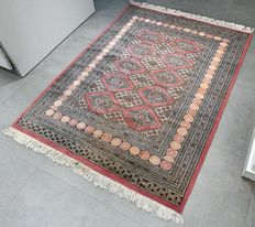 Superior Buchara Persian carpet – 171 x 130 – with certificate – very good condition