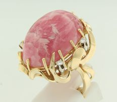 18 kt yellow gold ring set with rose quartz and brilliant cut diamonds