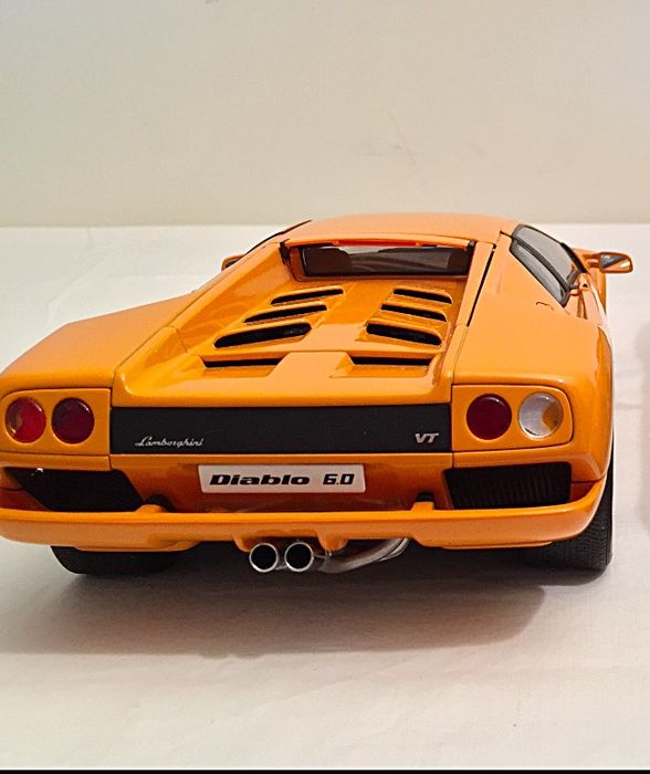 autoart scale 1 18 lamborghini diablo 6 0 orange catawiki. Black Bedroom Furniture Sets. Home Design Ideas
