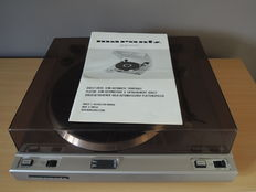 Turntable - Marantz TT 2000