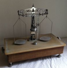 Prolabo Paris laboratory precision scale - France - ca. 1930