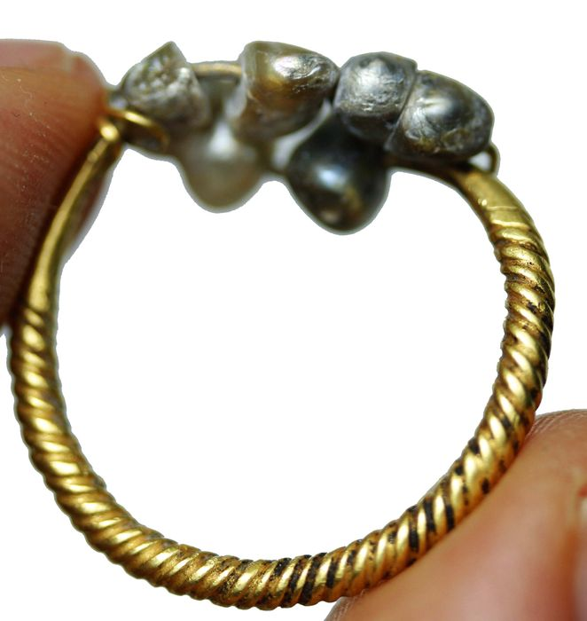 Hellenistic period elagant large solid gold ring with stones on it - 4,57gr - 25mm