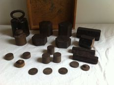 Lot with 21 weights - 20th century