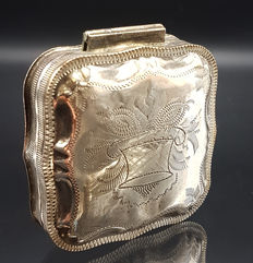 Silver Tin for peppermints with gravé, Netherlands, 1898