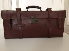 Saddle leather painter's suitcase