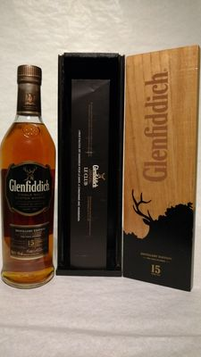 Glenfiddich Distillery Edtion 15 years old special wooden box