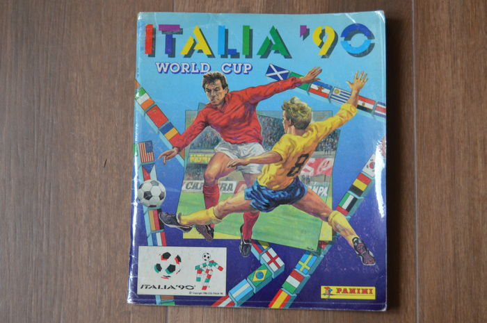 Panini - Italia 90 World Cup - Complete album - Original orderform included - Rare Portuguese Edition.
