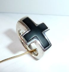 Heavy pure 925 Sterling silver ring with a black cross, a biker ring in extraordinary design