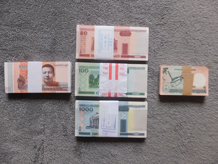 World - 500 Banknotes in bundles of 100 - Belarus + Cambodia + Bangladesh - Original bundles