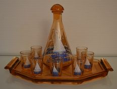 Art Deco - Pink glass liqueur set display tray - decanter and 7 enamelled glasses with boats