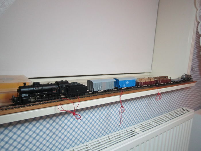 Roco H0 - 61420 – Freight train set with steam locomotive C5/6 of the SBB