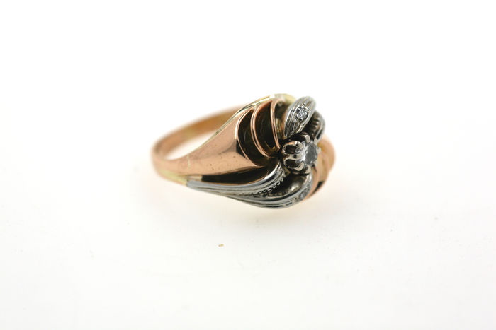 Brilliant ring made of 750 gold with 0.25 ct VSI TW - size 53