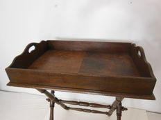 Oak wood with leather butler's tray