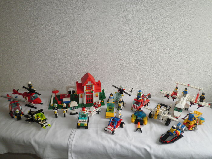 Classic Town / Aquazone / Space / Technic - 15 sets o.a. 6356 + 710 - Med-Star Rescue Plane + Universal Building Set