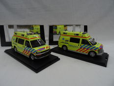 Neo Scale Models - Scale 1/43 - Chevrolet GMT 600 Ambulancedienst & Chevrolet GMT 610 Ambulancedienst