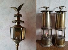 Brass/copper - antique carriage lamp crowned with an eagle - 2 Miner lamps