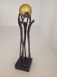 "Corry Ammerlaan Niekerk - bronze sculpture - ""bundled collaboration"" - 20th century"