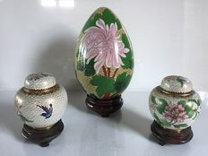 Set of cloisonné enamel decorative items – China – Second half of the 20th century
