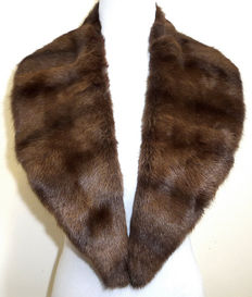 Squirrel fur collar - unisex feh stole