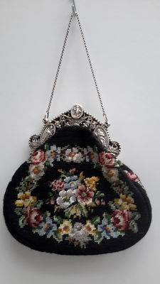 Large chatelaine bag with silver bracket, the Netherlands, 19th century