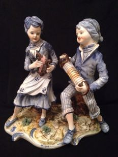 Capodimonte musician couple figurines