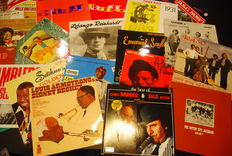 Great lot of 25 jazz and dixieland albums including Django Rienhardt, Louis Armstrong, Tiger Rag, ...