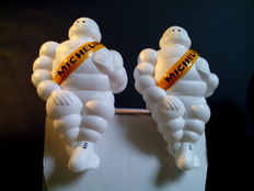 Set of 2 Michelin-figures (Bibendum) - hard plastic - 25 cm high